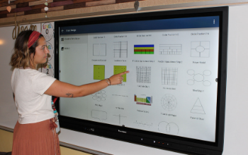 Teaching using interactive display in classroom