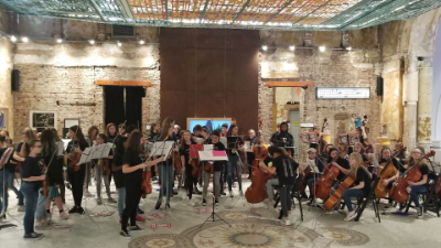 6th Grade Orchestra performing at the Children's Museum of Pittsburgh