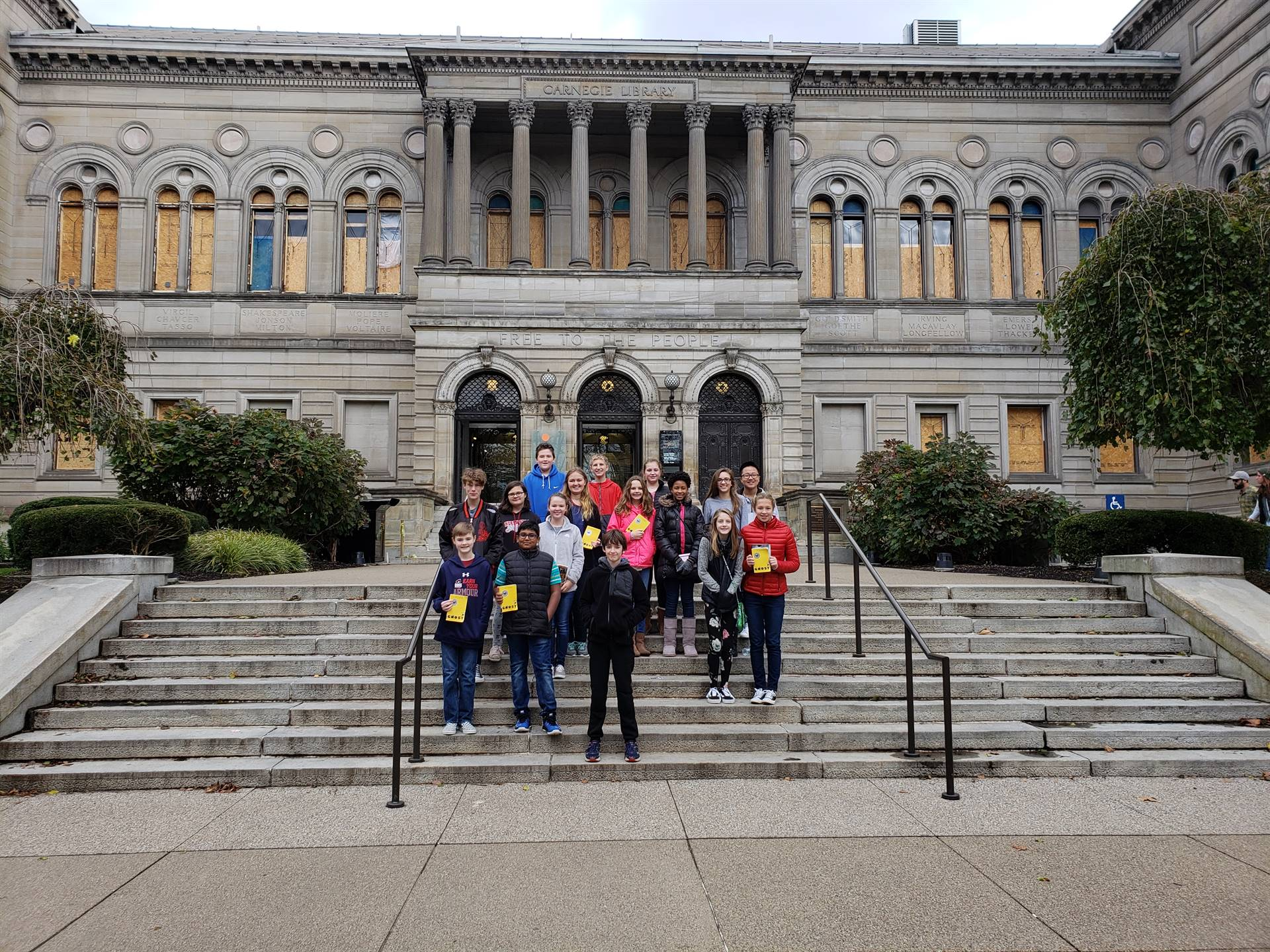 group of students in front of Carnegie Library of Pittsburgh, Main Branch