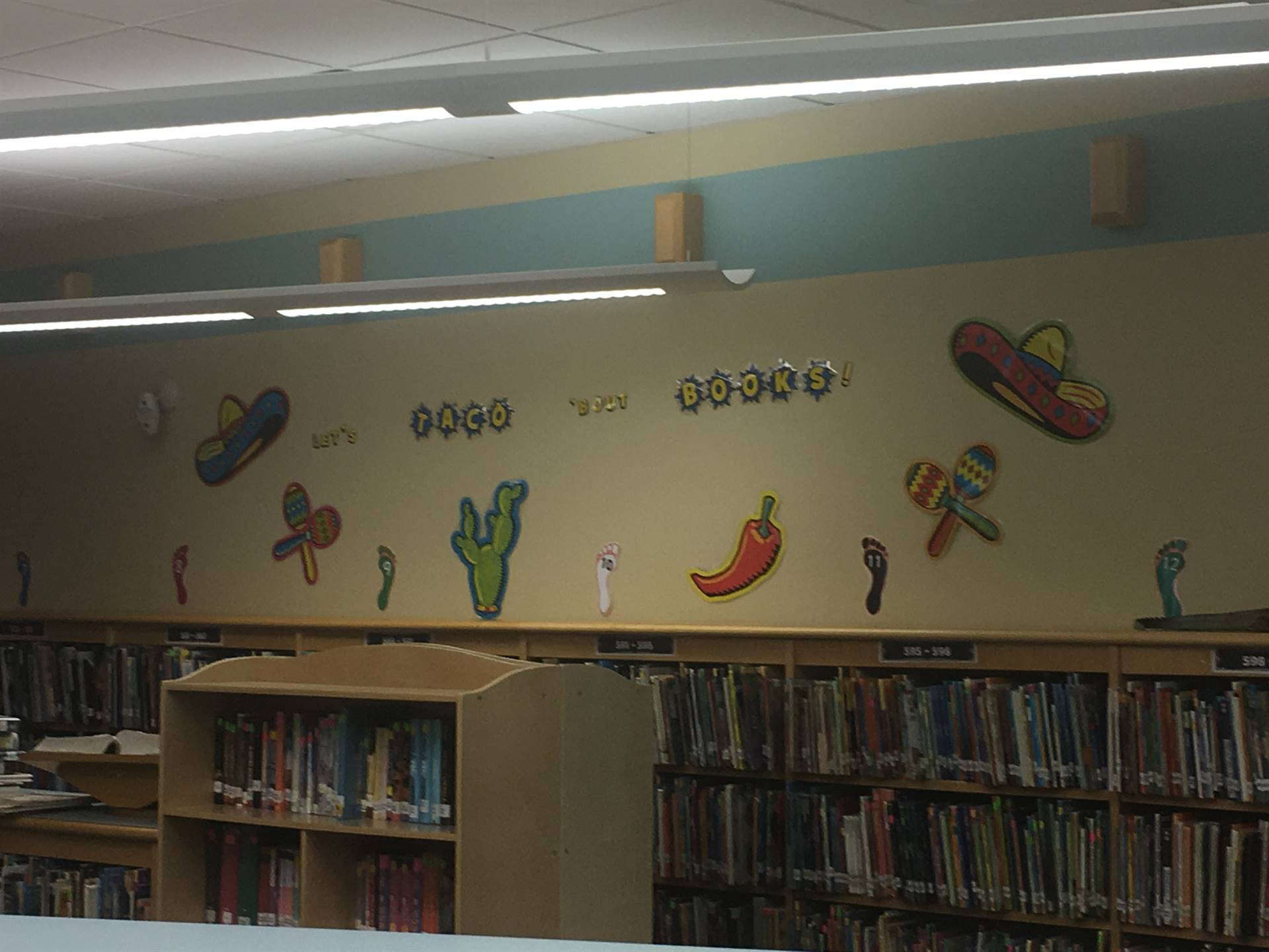Highcliff Elementary Library Display