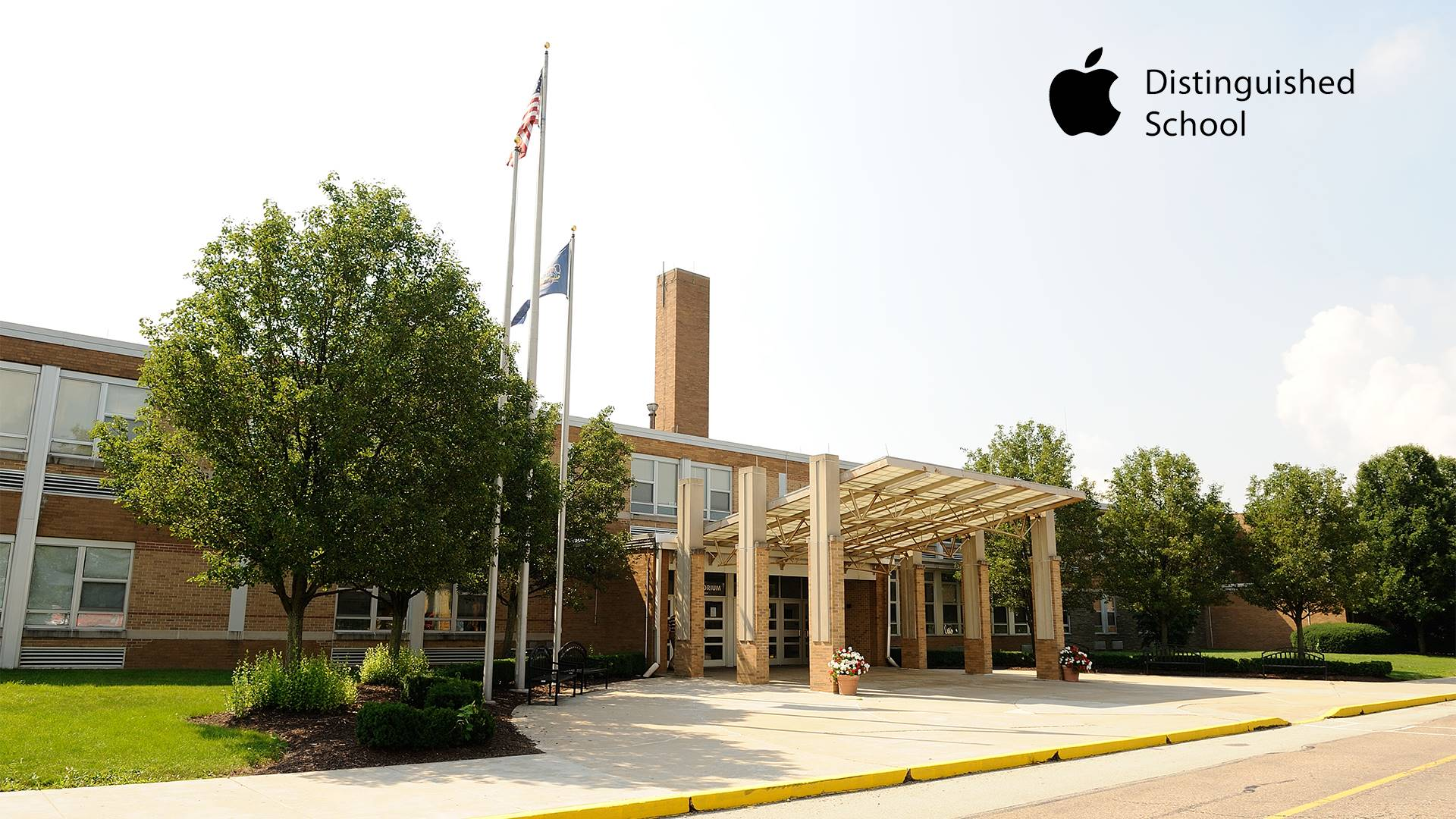 North Hills Middle School, Apple Distinguished School
